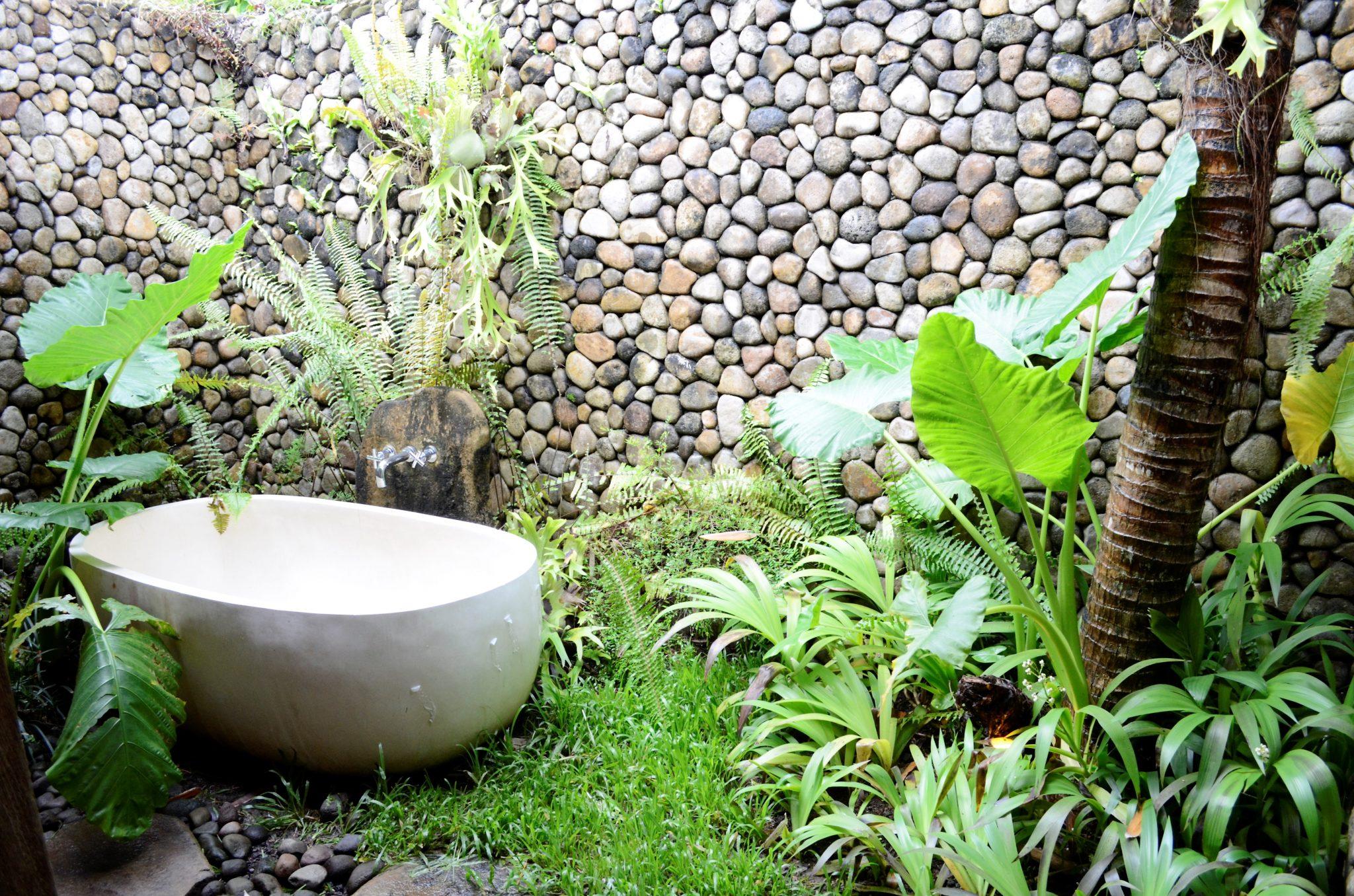 Bali Hotel bathroom